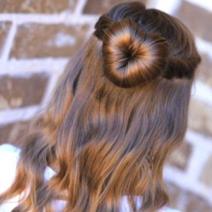 A romantic hairstyle for Indique valentine's day giveaway